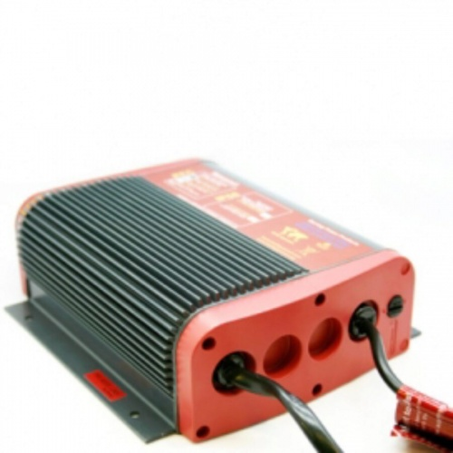 Aquanautic battery charger 12V 12A-2 out